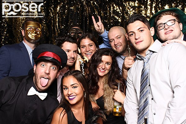 "alt=""holiday party photo booth"""